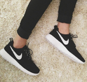 Nike Rosherun Womens Athletic Gym Running Sneakers