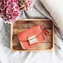 Select Women Handbag Up to 70% OFF