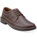 男款深棕色休闲鞋