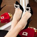Saks Fifth Avenue: Roger Vivier鞋履最高可减$175