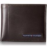 Tommy Hilfiger Men's Cambridge Passcase Wallet