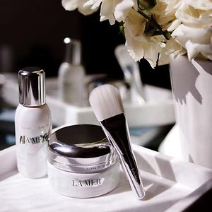 Neiman Marcus: 美妆护肤和香水类节日套装新上市