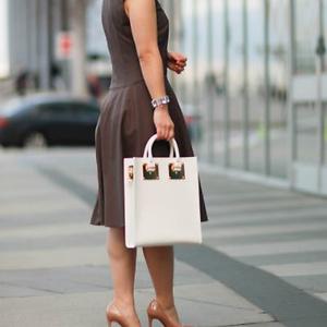 Saks Fifth Avenue: 精选 Sophie Hulme 包包折扣低至五折