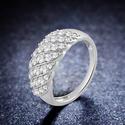 DiamondMuse 1克拉 碎钻镶嵌 纪念戒指