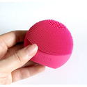 FOREO LUNA play plus: Portable Facial Cleansing Brush, Fuchsia