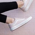 Vans Women's Ward Low Top Sneaker