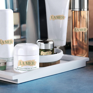 Saks Fifth Avenue: Free Cream Deluxe sample with Any La Mer Purchase
