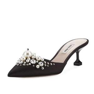 Bergdorf Goodman:精选Miu Miu鞋履最高6折热卖