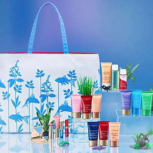 Clarins: Free 6-Piece Customized July 4th Gift
