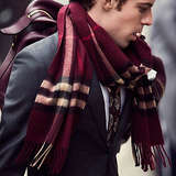 Burberry Classic Cashmore Scarf in Check