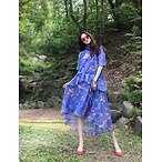 蓝色印花大长裙