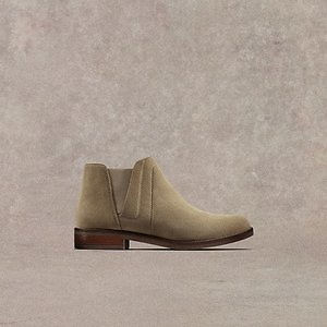 Clarks: Up to 60% Off Selected