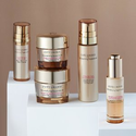 Estee Lauder: with Revitalizing Supreme+ purchase