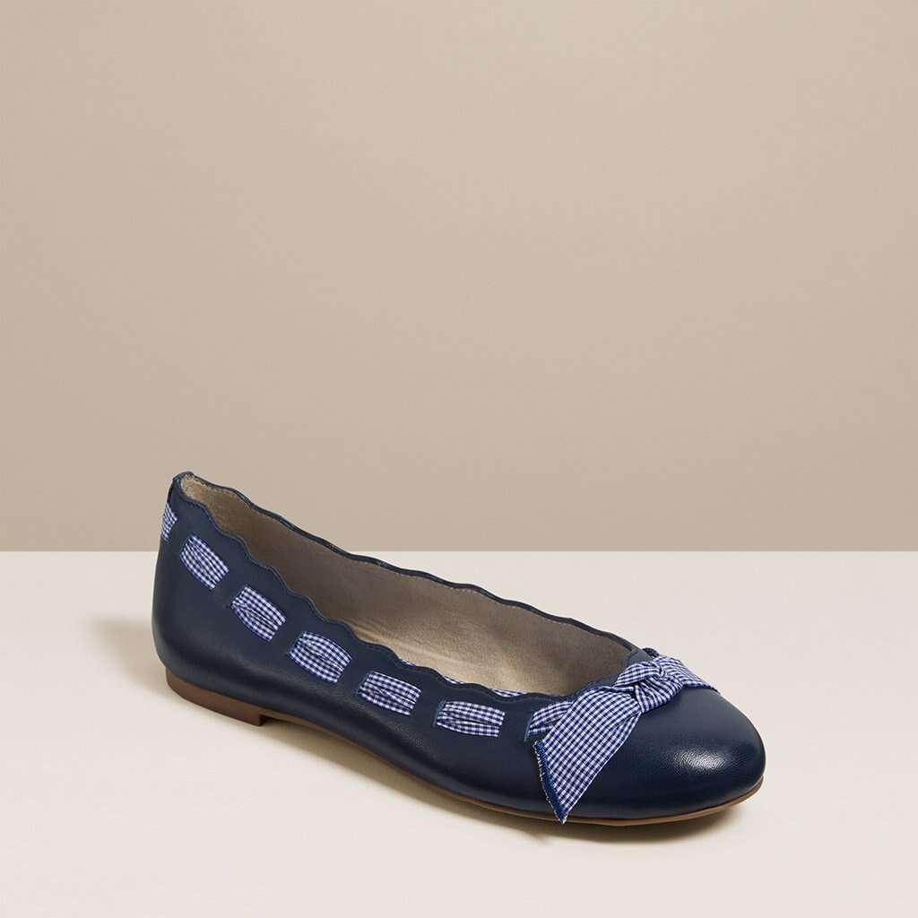 蝴蝶结芭蕾舞鞋