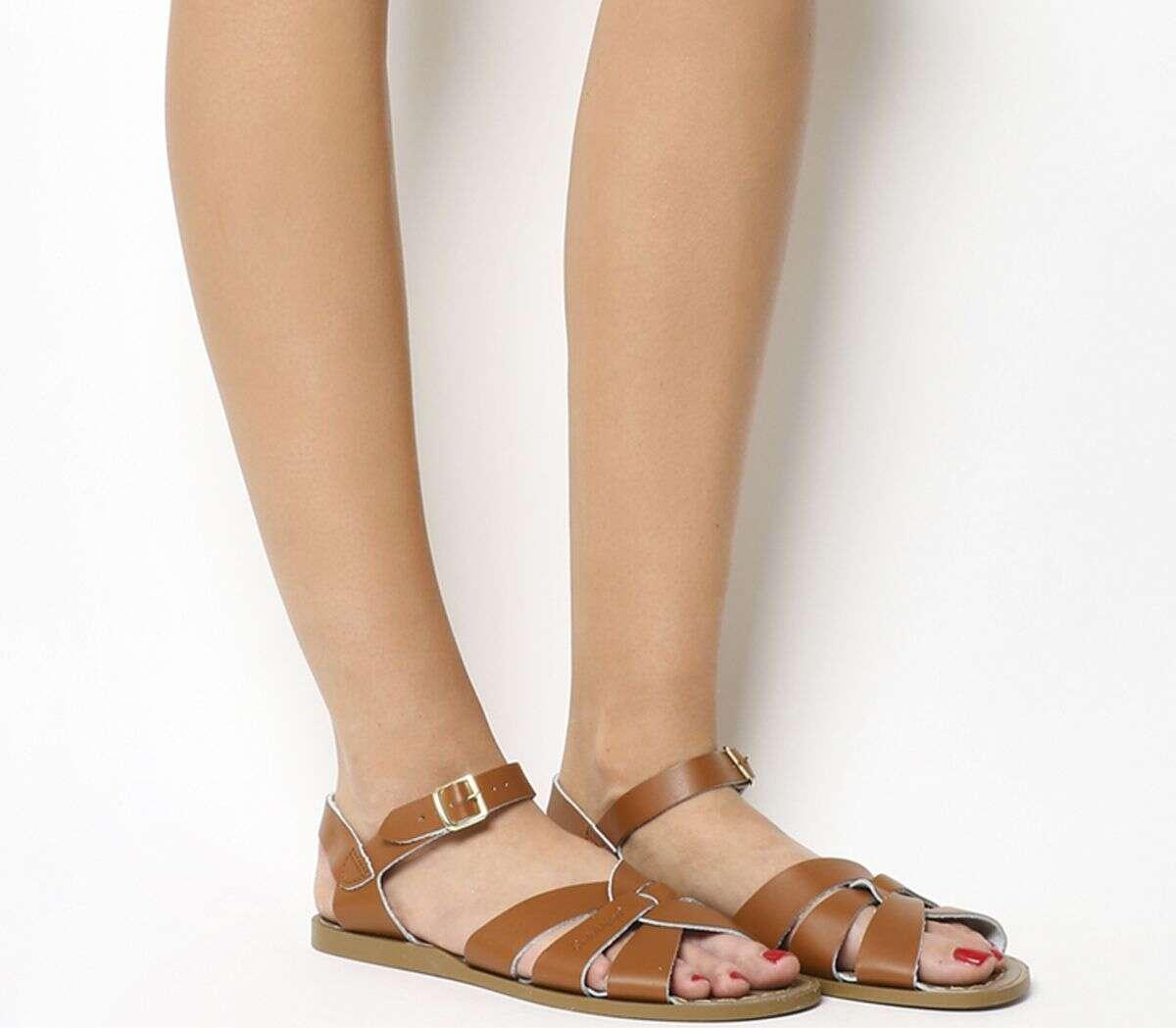 Salt Water 棕色平底凉鞋