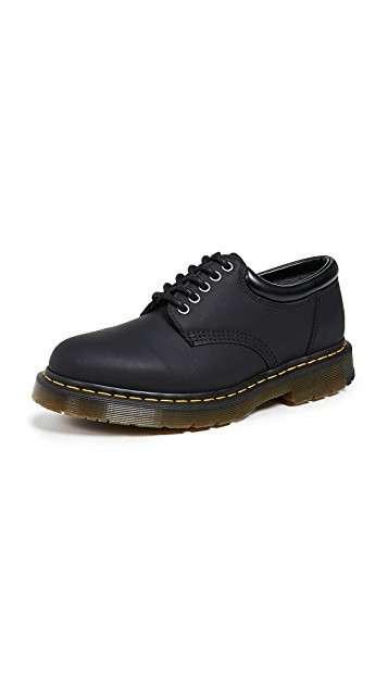 Dr. Martens 5孔靴