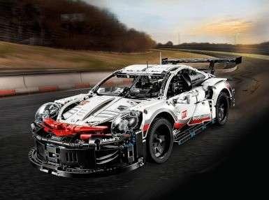 保时捷911 RSR