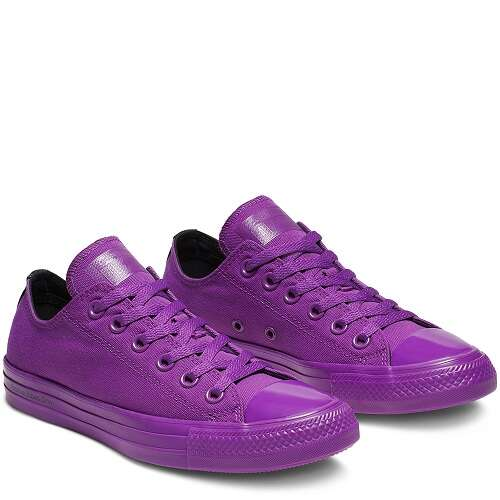 紫色低帮帆布鞋