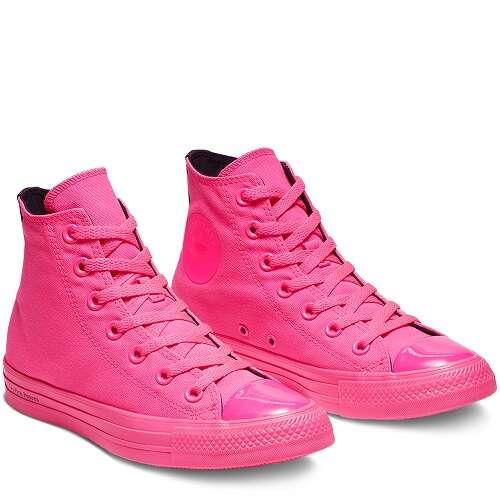 玫粉色高帮帆布鞋